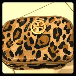 TORY BURCH leopard print cosmetic pouch *Like New*